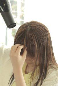 前髪の乾かし方