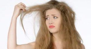 髪のパサつきを防ぐ方法